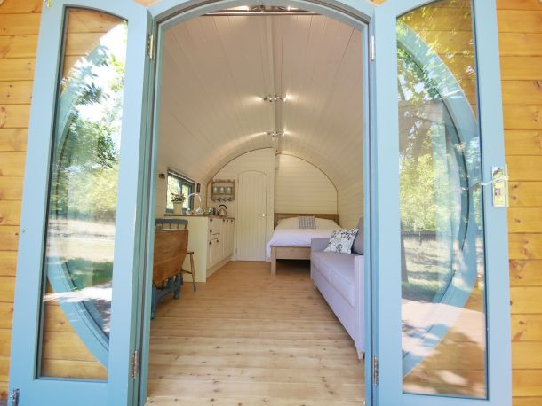 orchard-farm-luxury-glamping-2