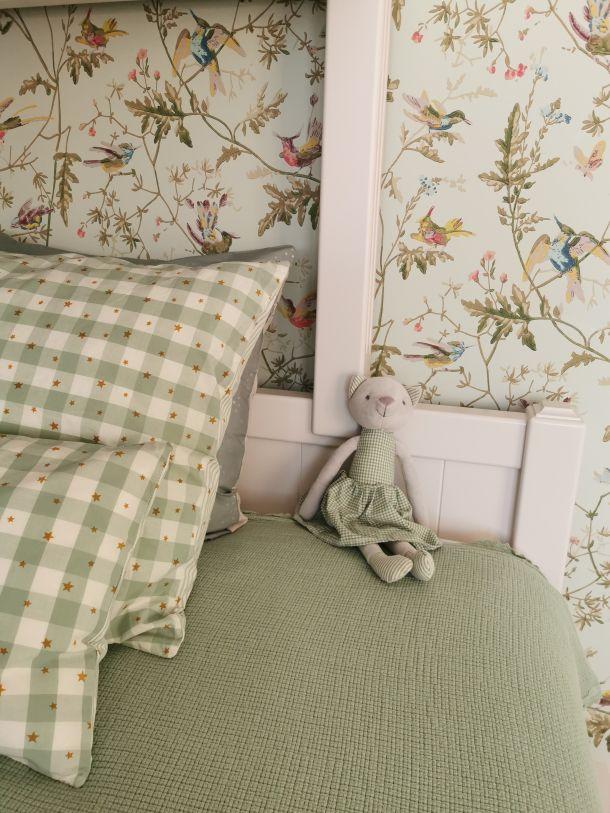 spavaca soba s tapetama iris pinjuh androsevic