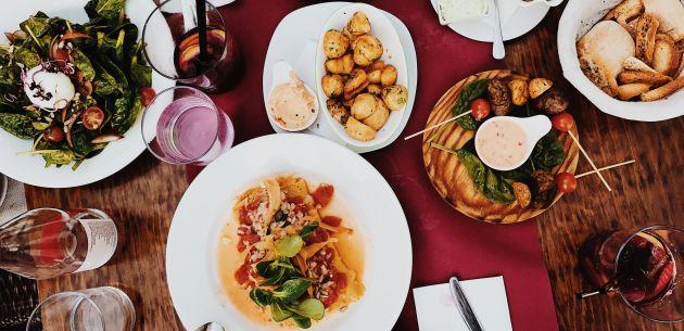 restoran zagreb hrana na stolu pexels-flo-dahm